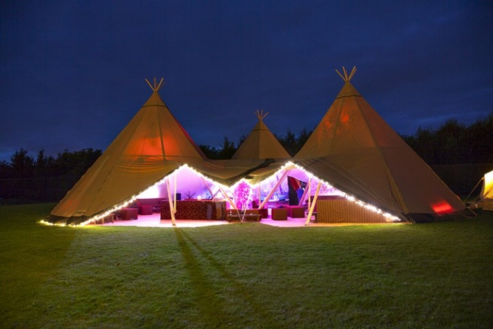 luxury-marquee-wedding-reception-at-night-104439_720x480