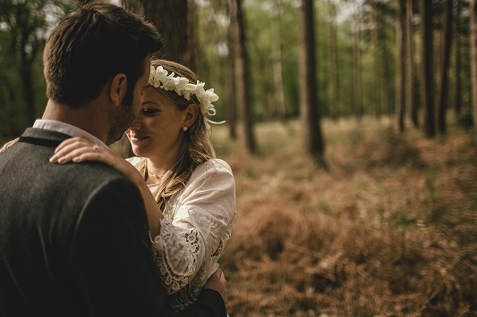 Festival Brides - Kat Hill Photography Rustic Outdoor Engagement Shoot_022