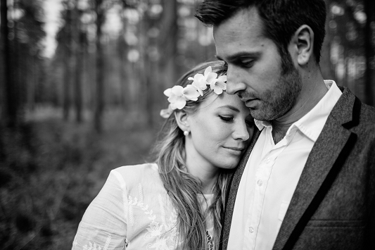 Festival Brides - Kat Hill Photography Rustic Outdoor Engagement Shoot_023