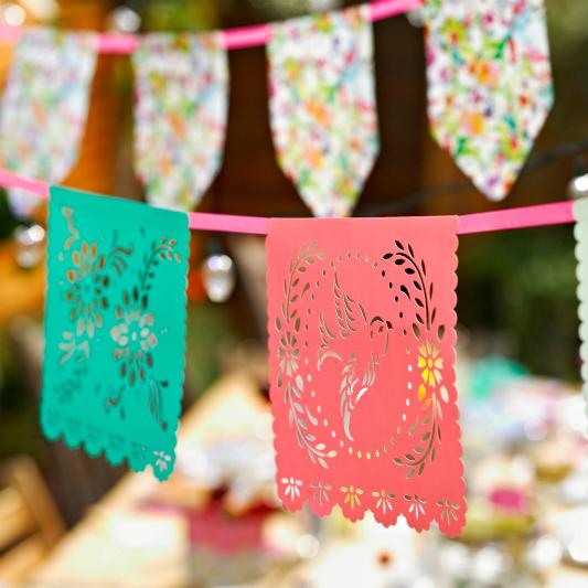 boho-theme-festival-bunting