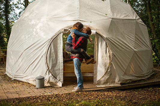 Minimoon Destination………… Let's Get Cosy Under Canvas