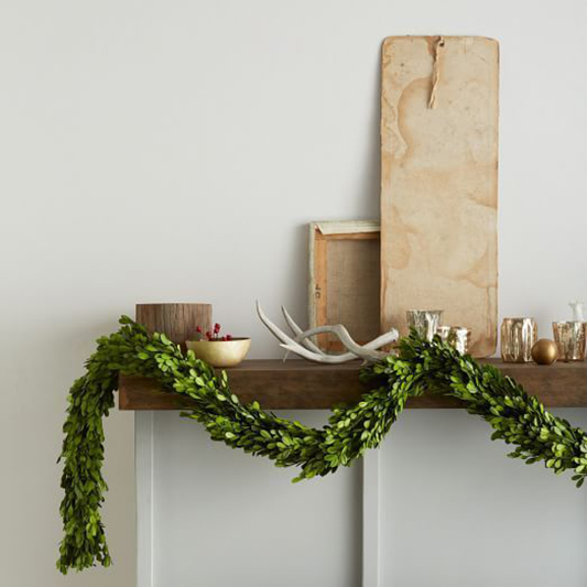 Seasonal Chic: How to embrace a hint of Christmas at your Winter Wedding