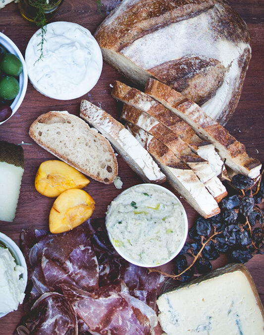 The Grazing Table: Wedding Eats Get Super Chill