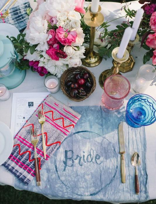 alternative-wedding-napkin-ideas-aztech-pattern