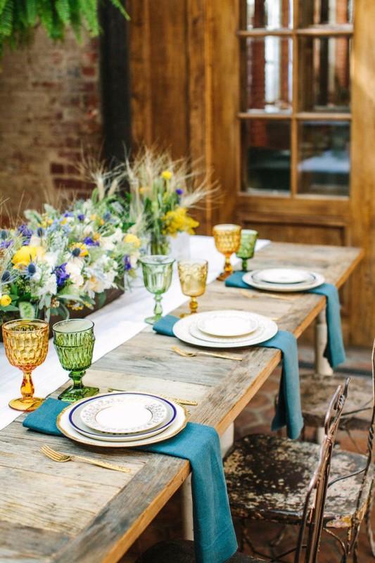 alternative-wedding-napkin-ideas-blue-colour