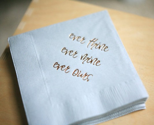 alternative-wedding-napkin-ideas-printed-words
