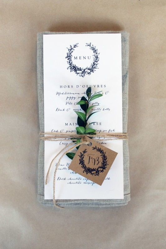 alternative-wedding-napkin-ideas-foilage