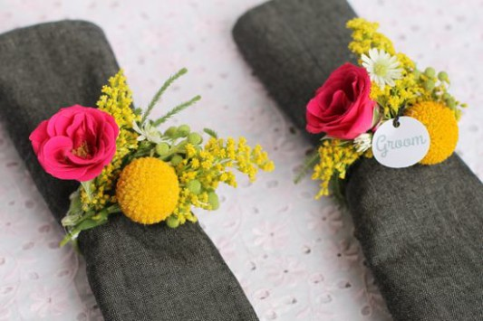 alternative-wedding-napkin-ideas-herbs-flowers