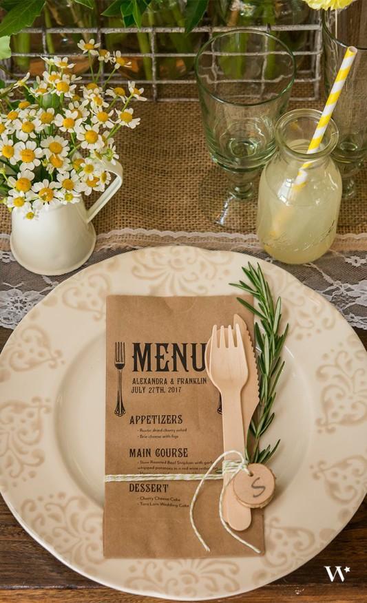 alternative-wedding-napkin-ideas-printed-menu