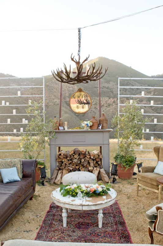 Fireplaceweddinginspiration31