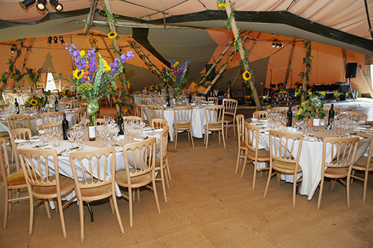 Tipi wedding 1