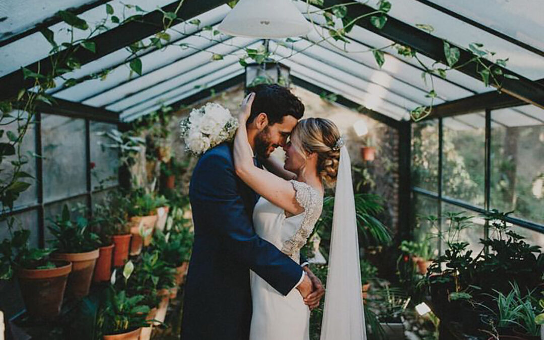 Glass Houses – 5 Reasons to Love 2016's Top Wedding Venue Trend