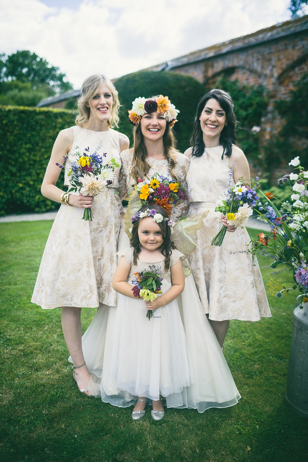 157-Portraits - Sarah, flowergirl & bridesmaids