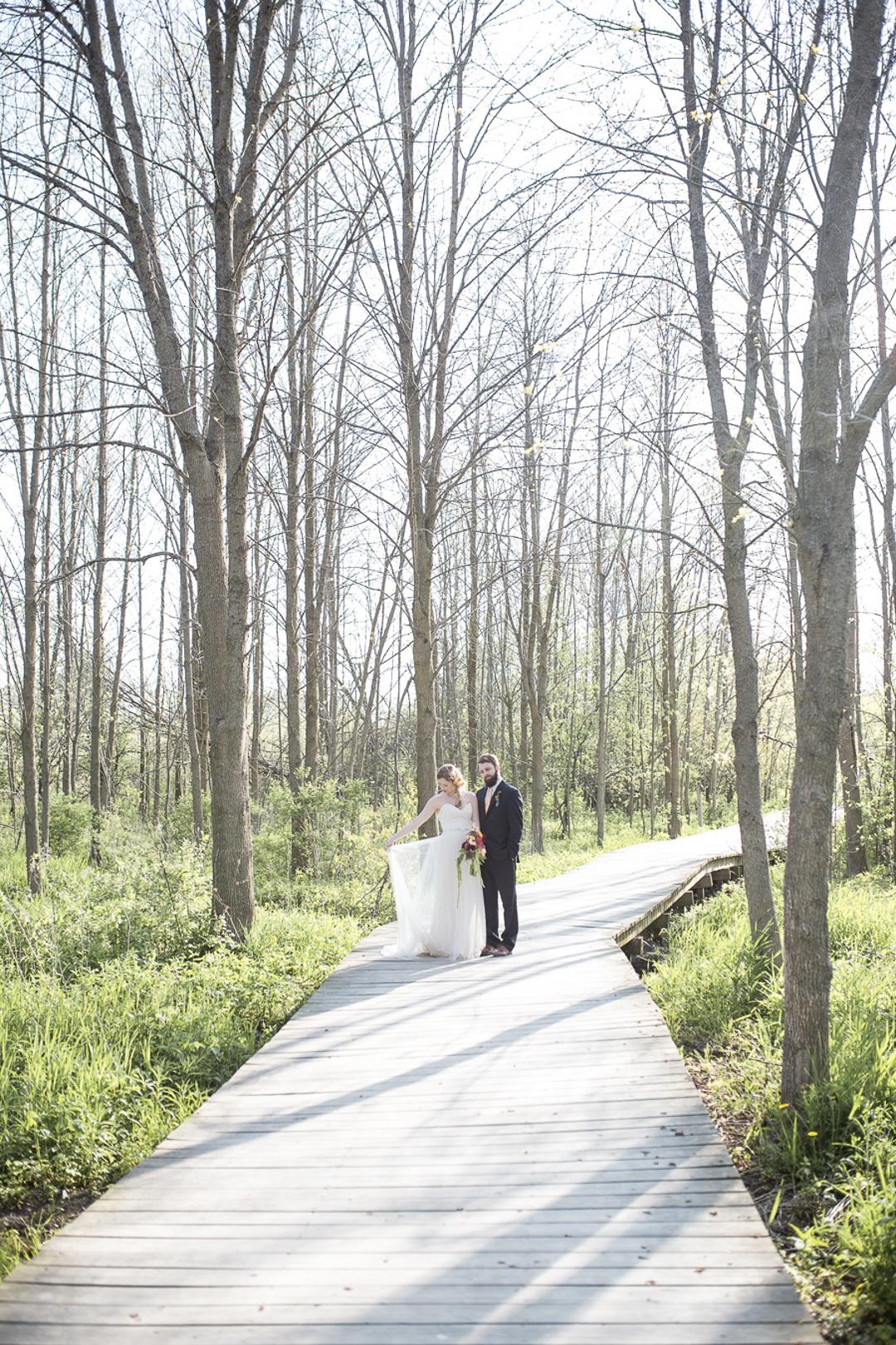 20-milwaukee-wedding-photography-twin-lens-weddings