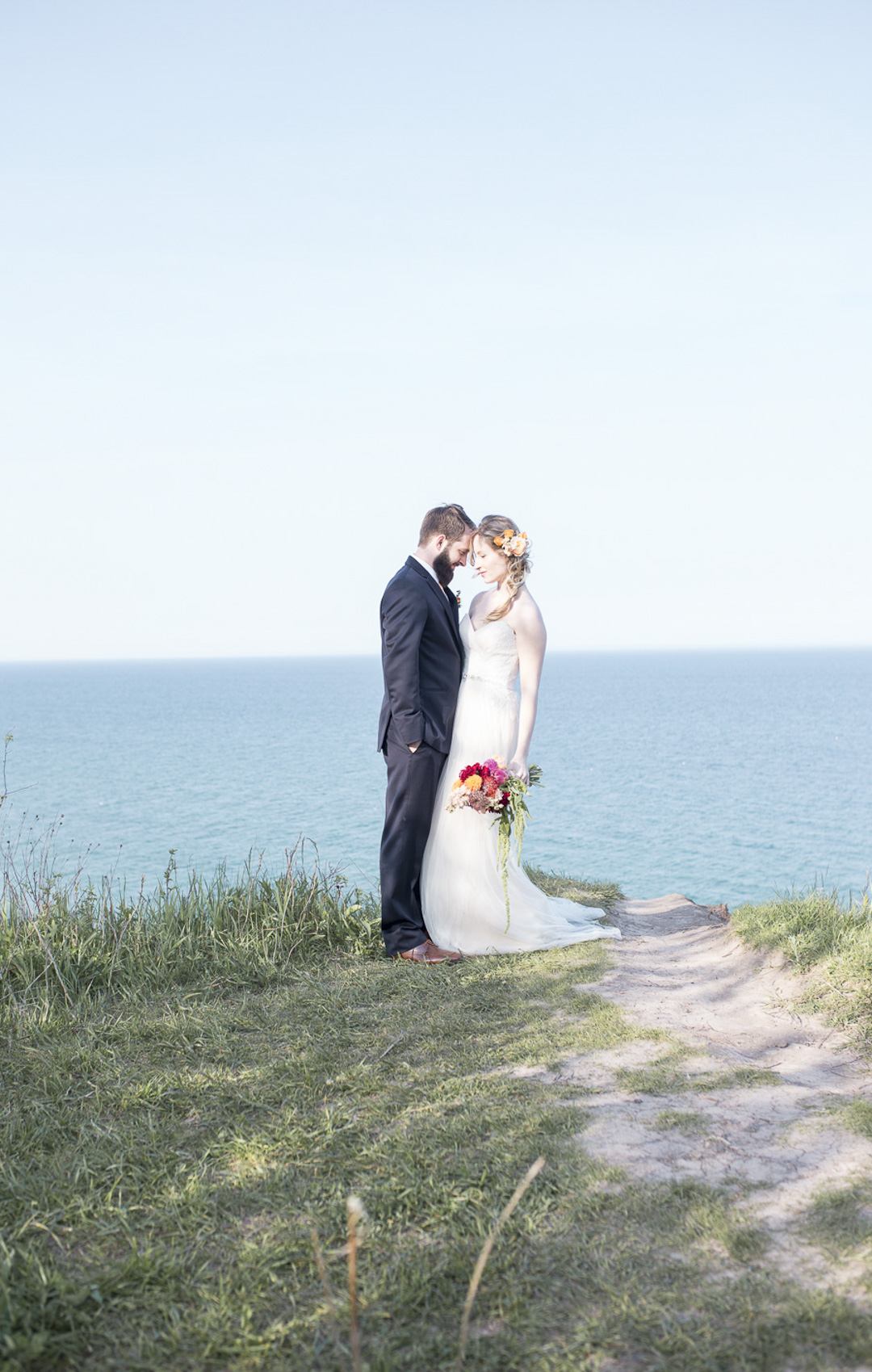 29-milwaukee-wedding-photography-twin-lens-weddings