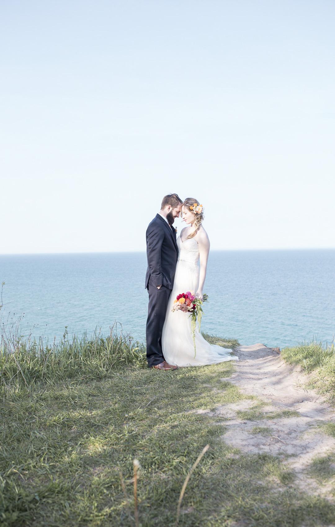29-milwaukee-wedding-photography-twin-lens-weddings