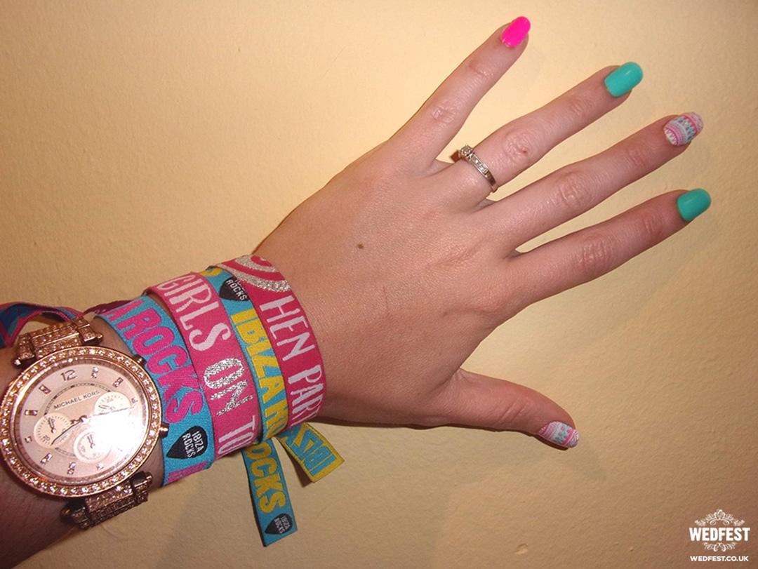 hen-doo-ibiza-wristbands