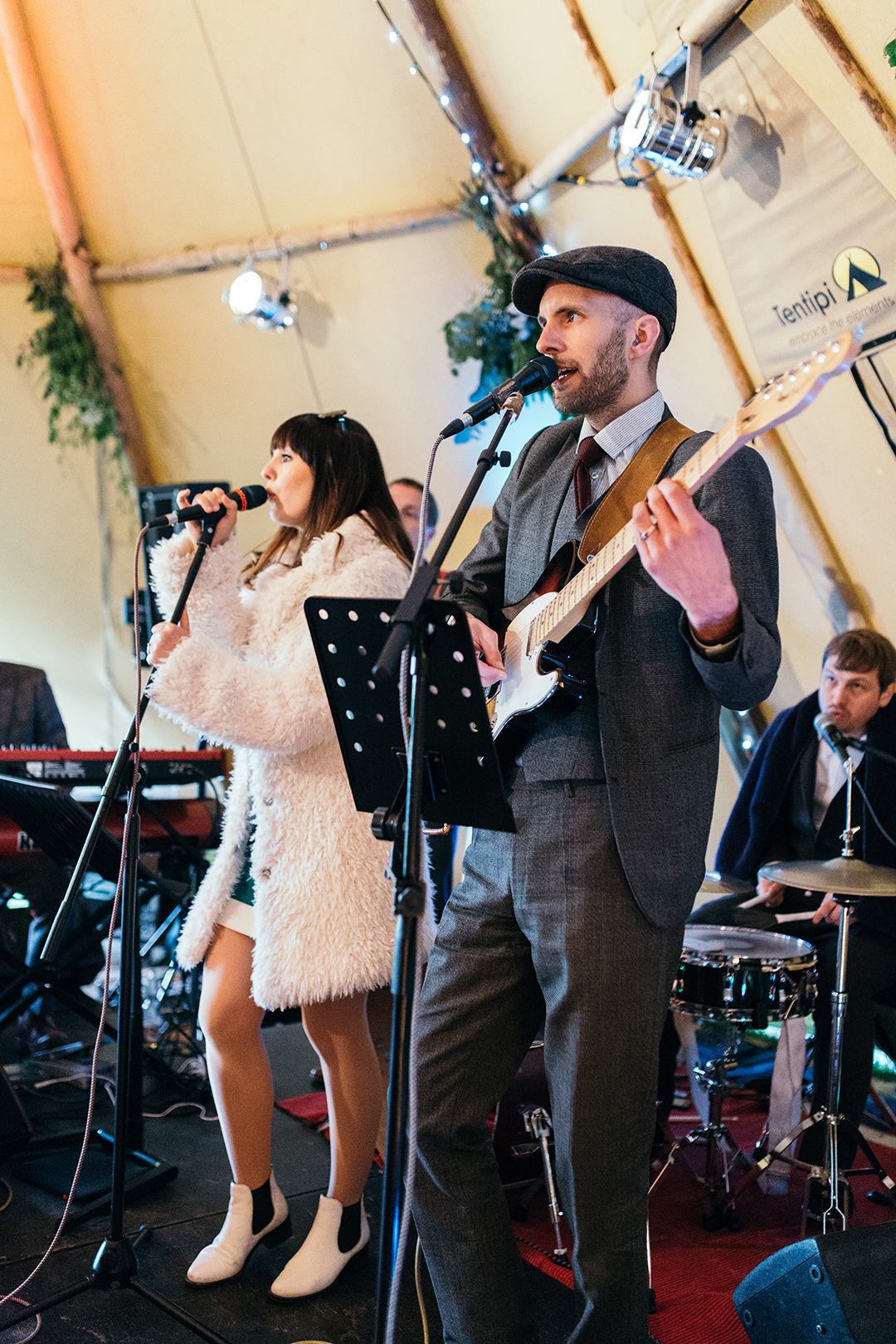 wedding-band-insite-a-wedding-tipi-at-a-festival-style-wedding