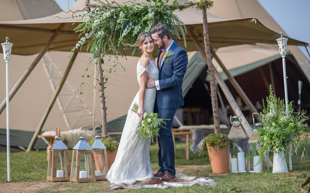 A Scandinavian Spring Styled Shoot  by World Inspired Tents & Blue Fizz Events