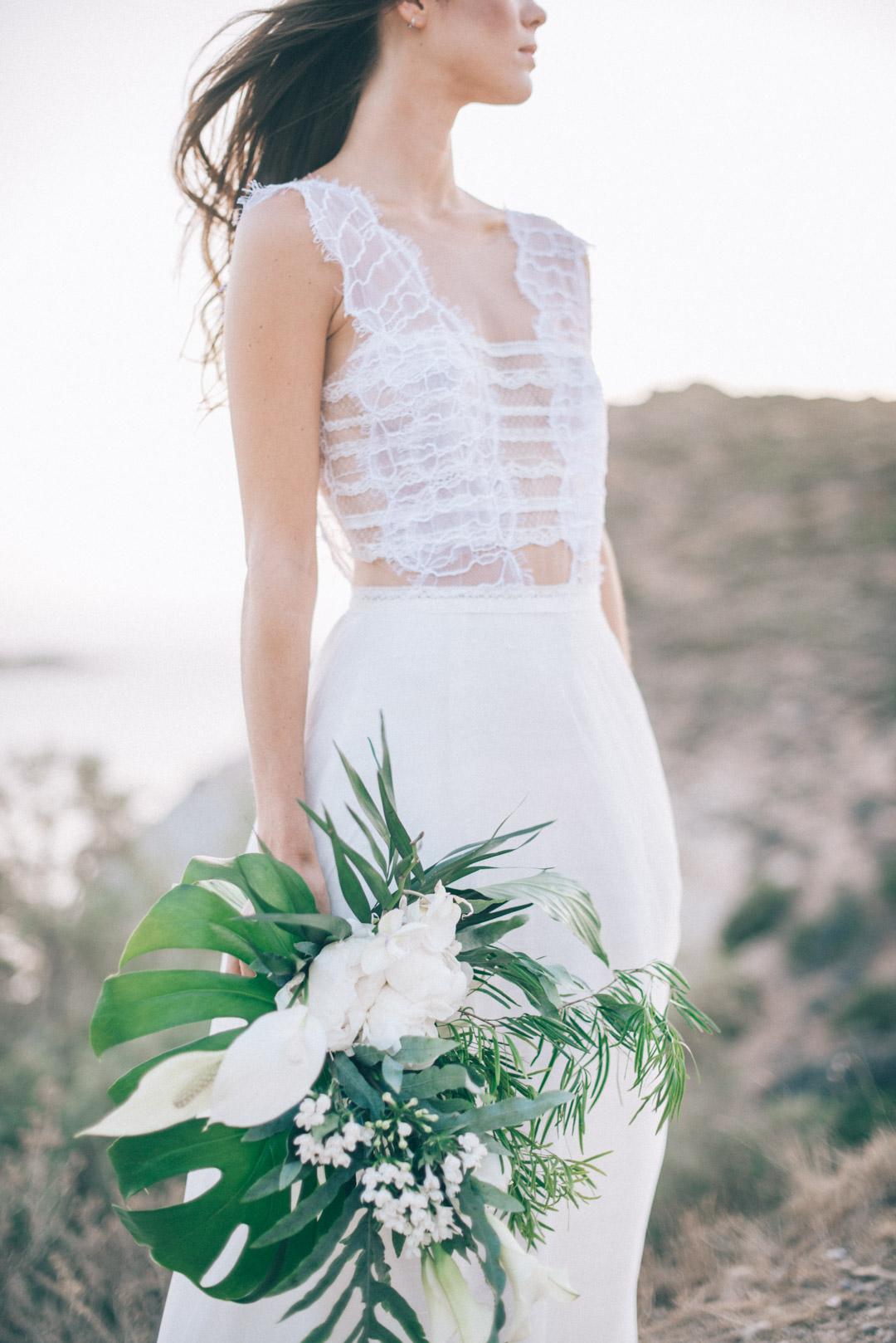 beautiful-bohemian-lace-wedding-dress