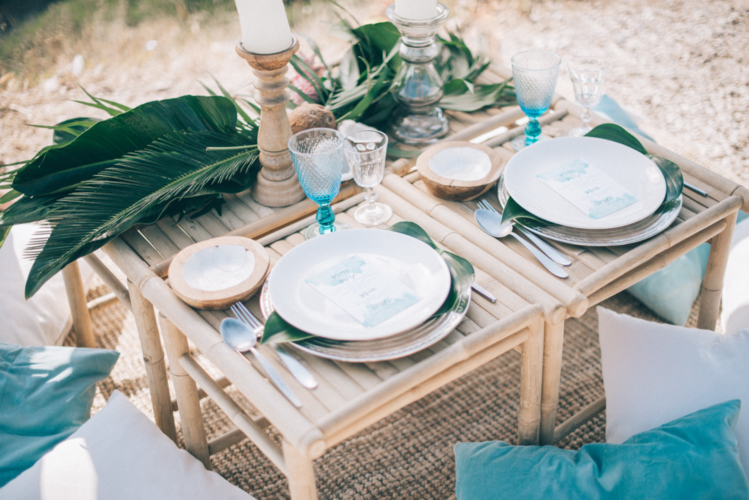 Bohemian-wedding-decor-ideas-tablescape-in-blue