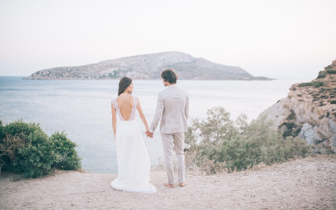 Bohemian Cliffside Elopement in Greece with a tropical touch…