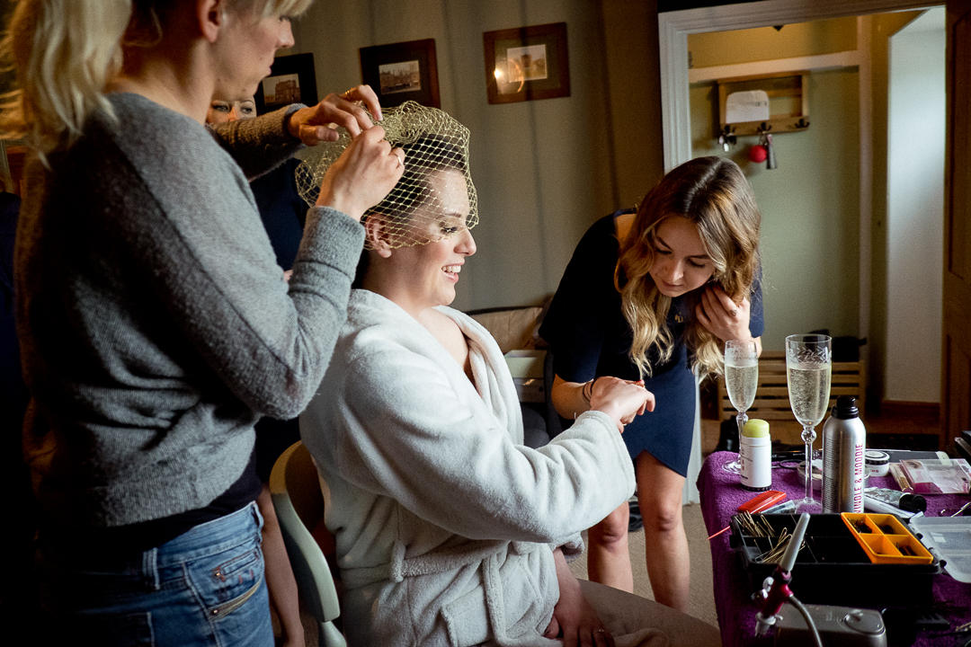 bride-getting-ready-elfestival-ellen-and-alex-real-festival-style-wedding