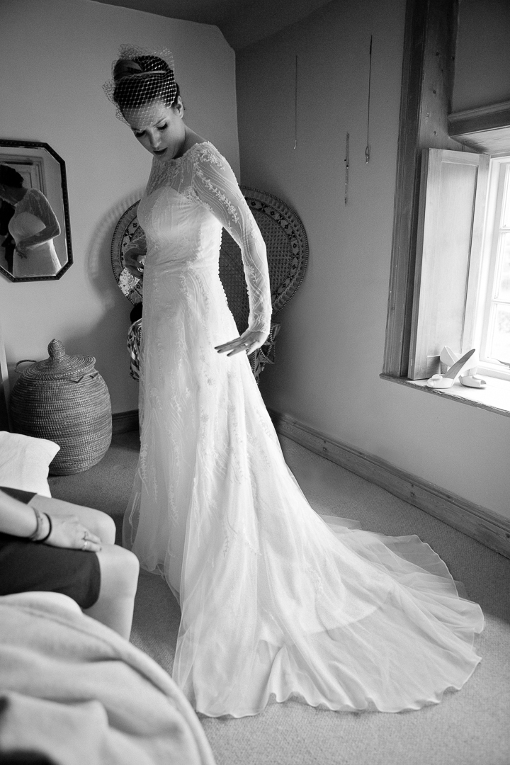 lace-wedding-dress-elfestival-ellen-and-alex-real-festival-style-wedding