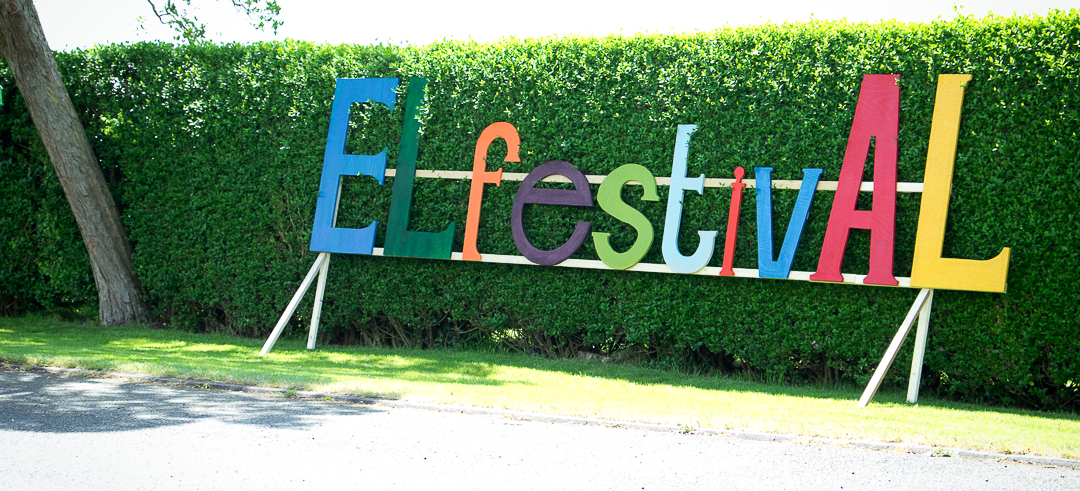 festival-wedding-signs-elfestival-ellen-and-alex-real-festival-style-wedding