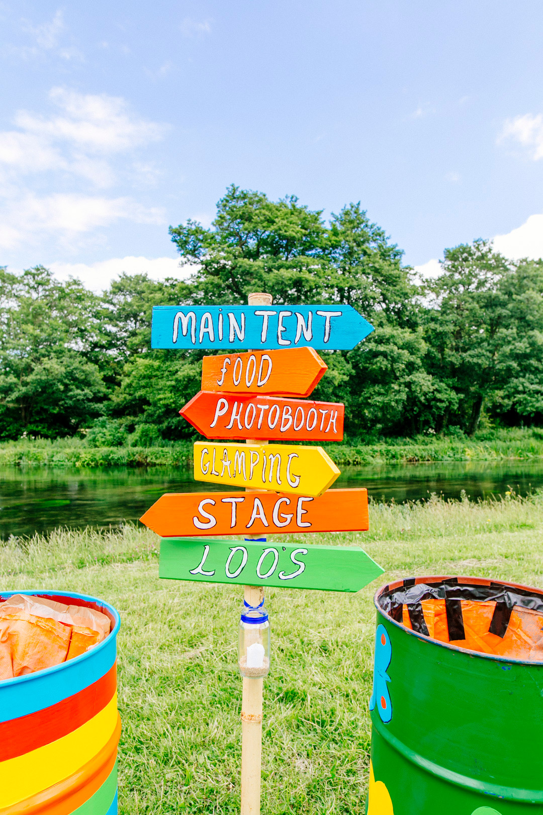 colourful-wedding-signs-glastonbury-themed-festival-wedding-els-photography