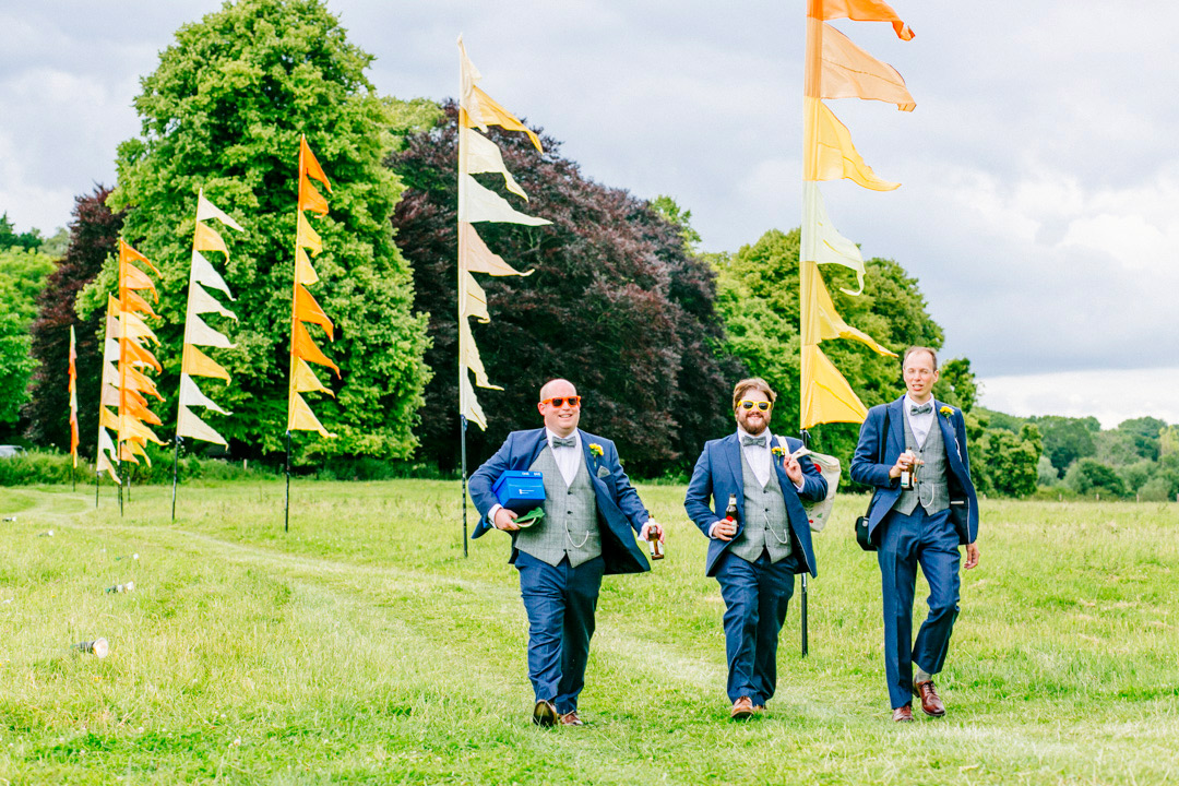 festival-flags-event-flag-hire-glastonbury-themed-festival-wedding-els-photography