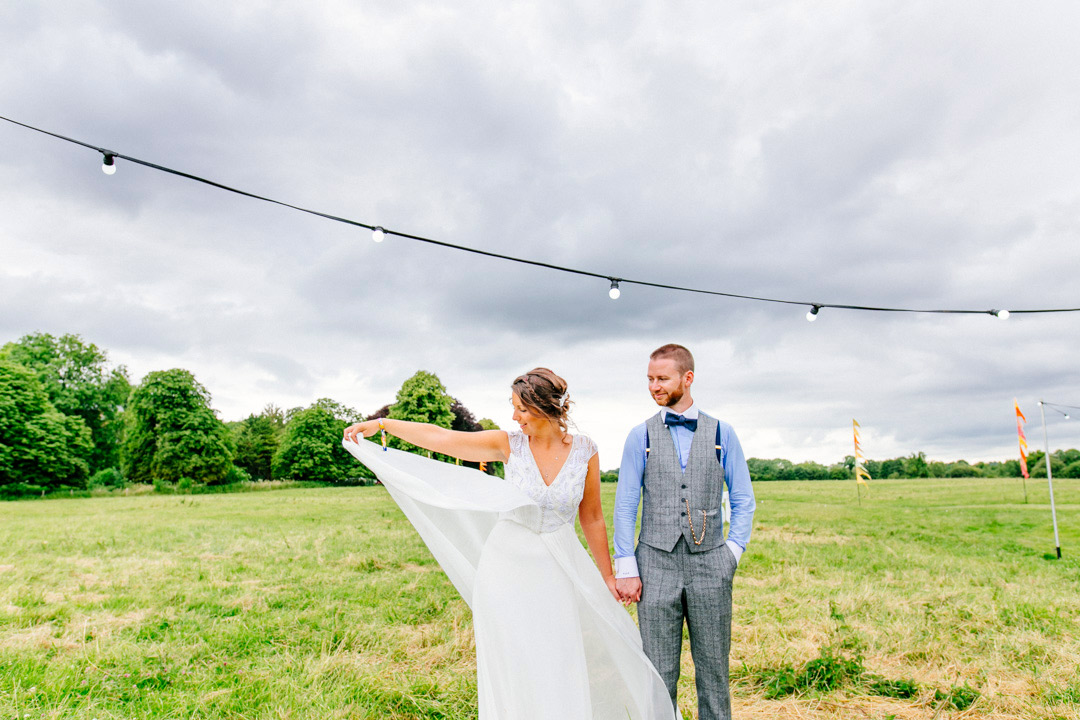 festival-bride-and-groom-glastonbury-themed-festival-wedding-els-photography