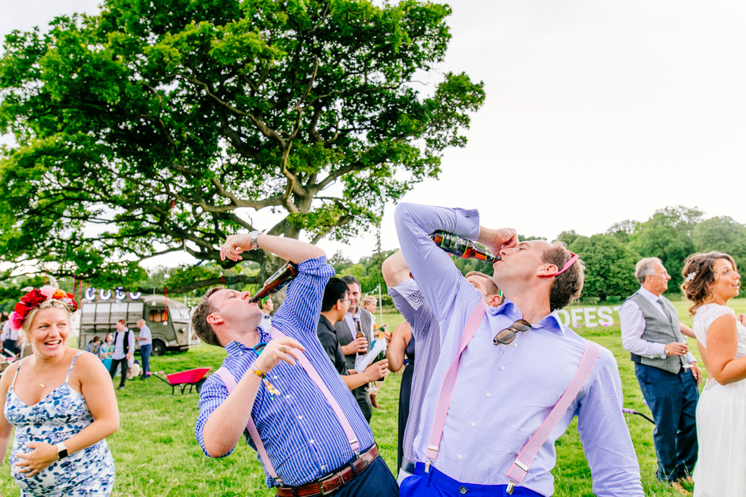 wedding-guests-glastonbury-themed-festival-wedding-els-photography