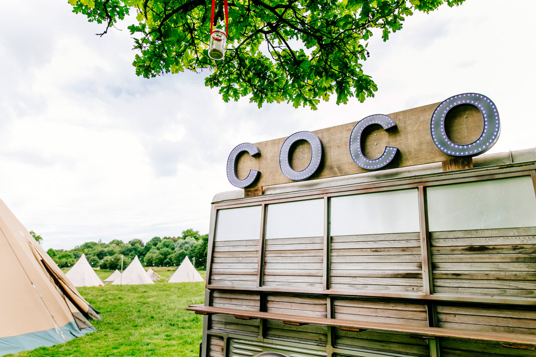 coco-photobooth-quirky-wedding-entertainment-glastonbury-themed-festival-wedding-els-photography