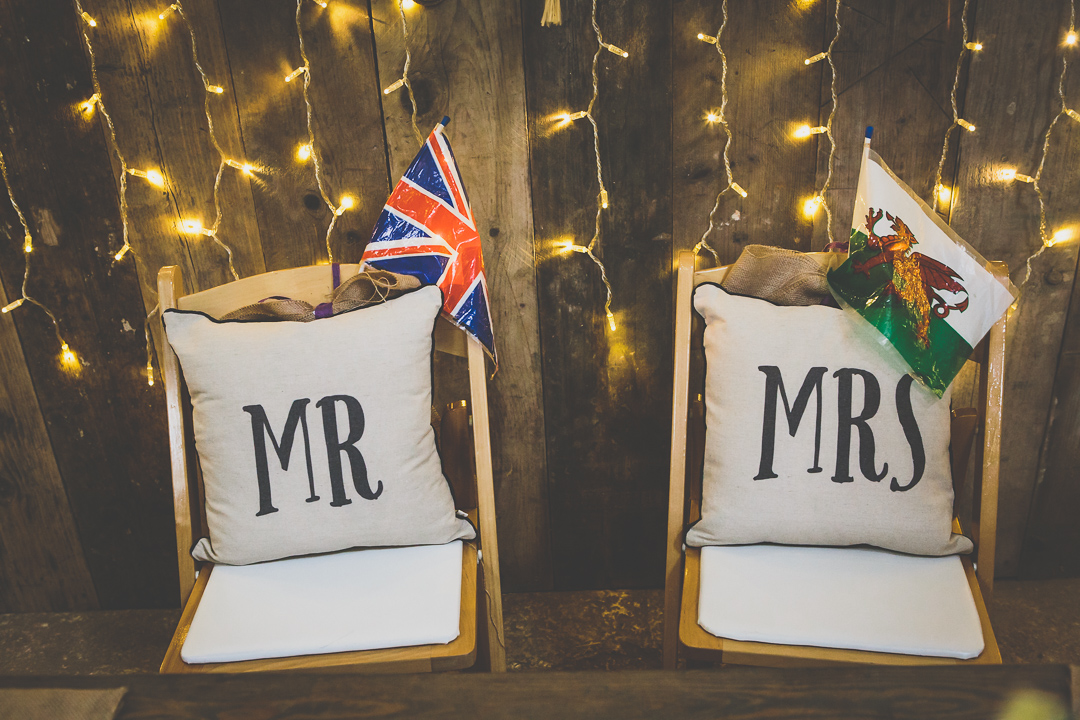 mr-and-mrs-cushions-festival-style-wedding-in-devon-alexa-pope-photography