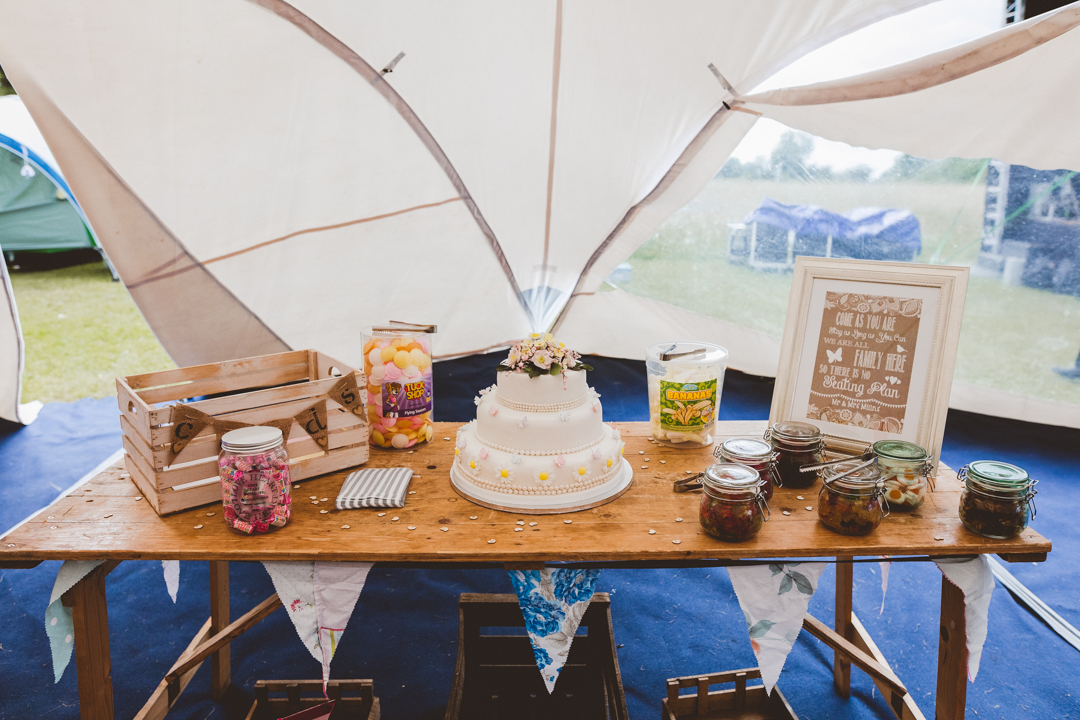 cake-table-jen-and-mat's-festival-wedding-at-Scraptoft farm