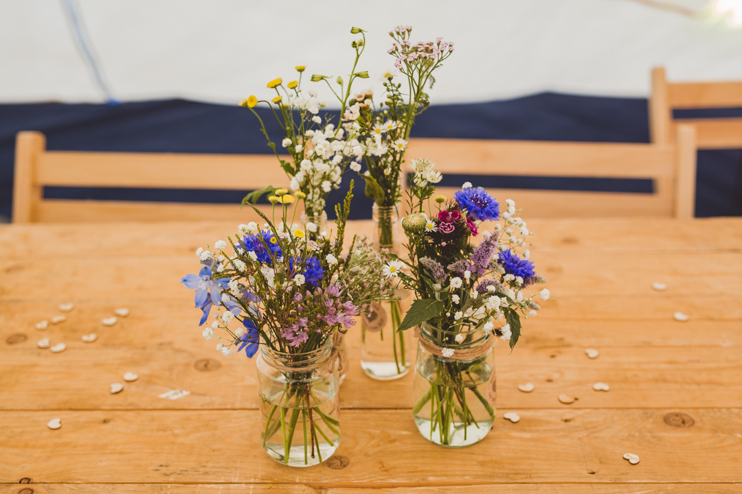 country-flowers-jen-and-mat's-festival-wedding-at-Scraptoft farm