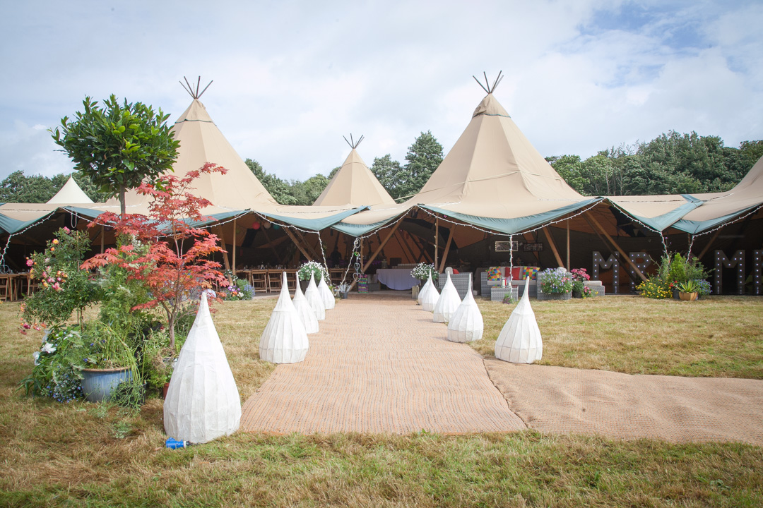 wedding-tipi-sara-and-tims-festival-wedding-joe-buford-photography