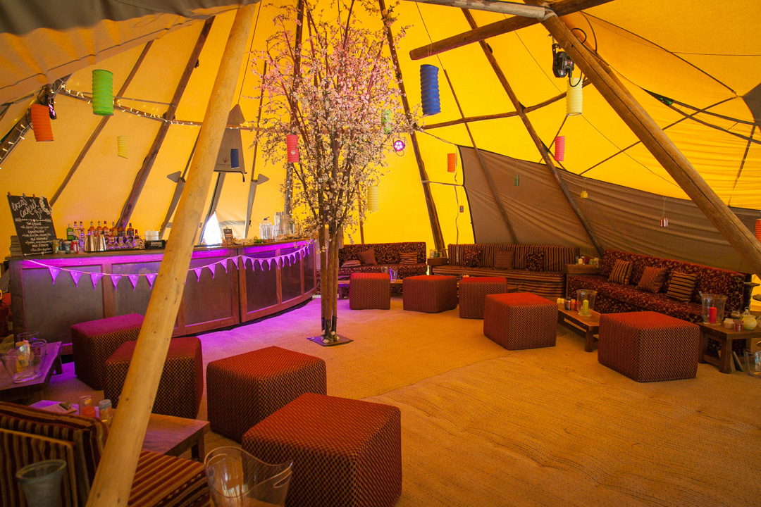 wedding-tipi-decor-ideas-sara-and-tims-festival-wedding-joe-buford-photography