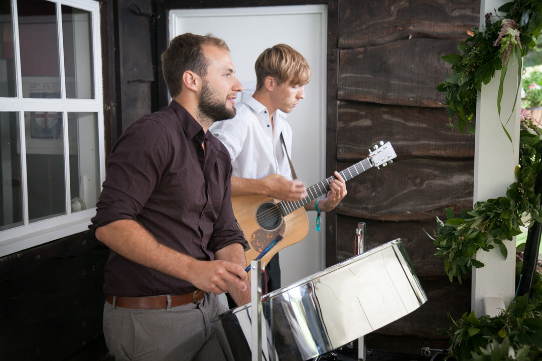 acoustic-music-sara-and-tims-festival-wedding-joe-buford-photography