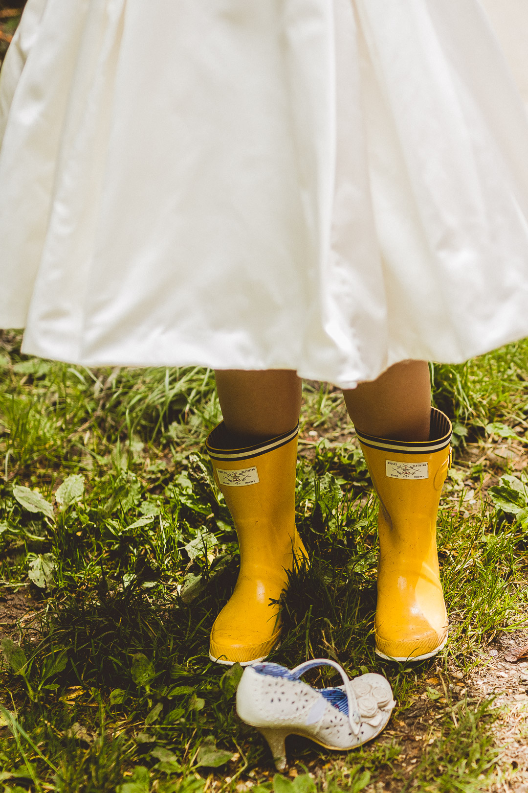 bride-in-wellies-jen-mat's-festival-wedding