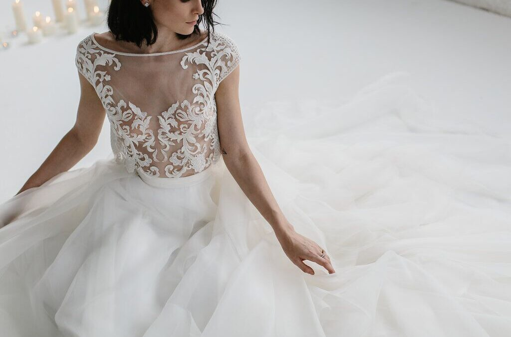 FESTIVAL BRIDES LOVE: KAREN WILLIS HOLMES